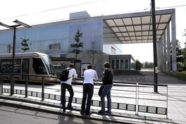 bibliotheque-tramway-univer