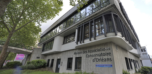 Maison des associations et conservatoire - quartier La Source