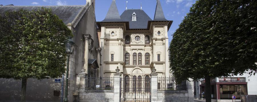 http://www.orleans-metropole.fr/fileadmin/_processed_/csm_musee_historique_archelogique_cabu_facade_24b52c4206.jpg