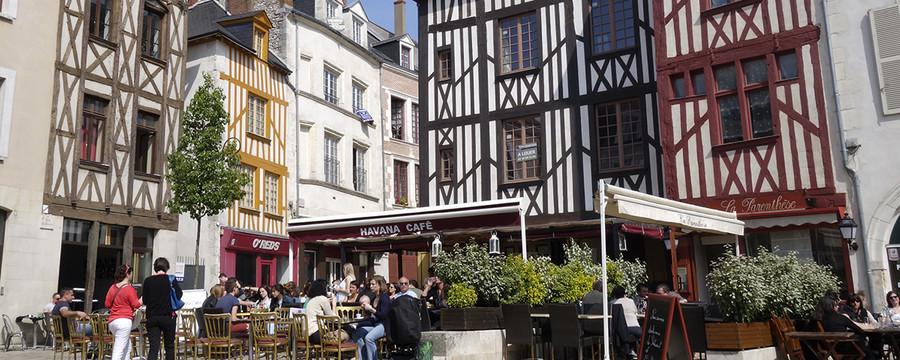 http://www.orleans-metropole.fr/fileadmin/_processed_/csm_place-chatelet_12d72c6a6b.jpg
