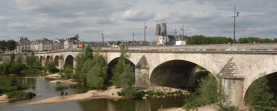 http://www.orleans-metropole.fr/fileadmin/_processed_/csm_pont-georgeV_080e96b590.jpg